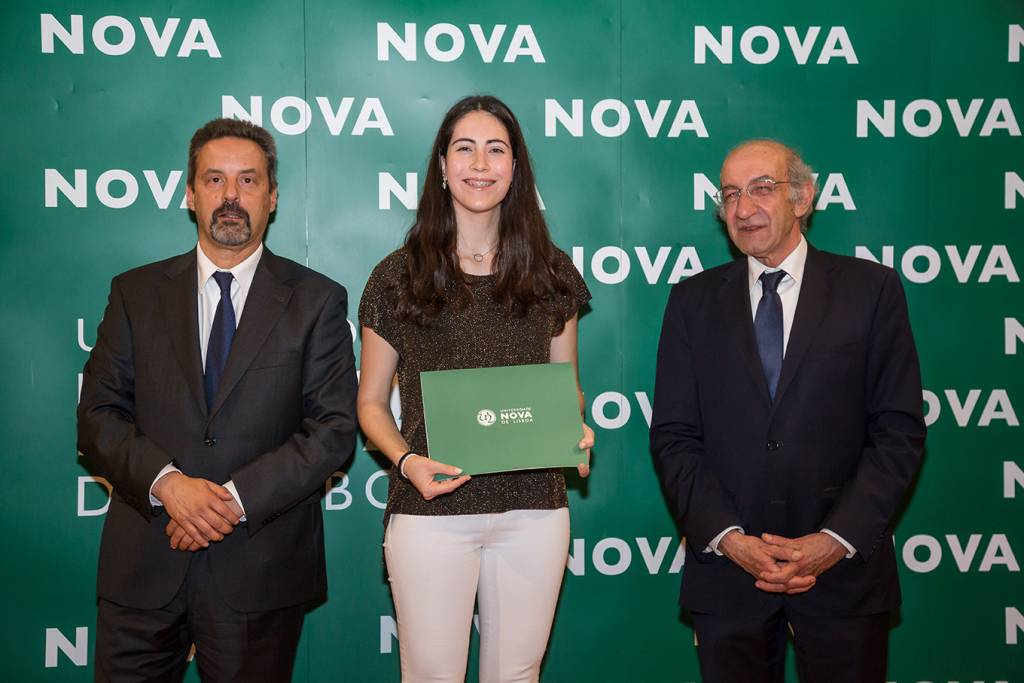 Rector of NOVA; Beatriz Dias (best student of Chemical and Biochemical Engineering) and Dean of FCT NOVA