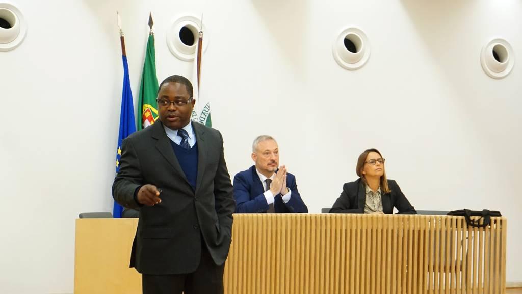 Representante da Universidade Agostinho Neto