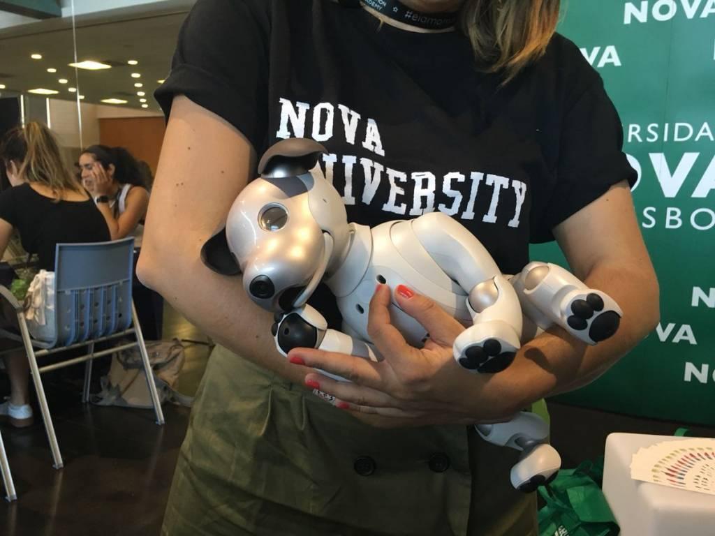 Aibo, cão robot, na EIA 2018