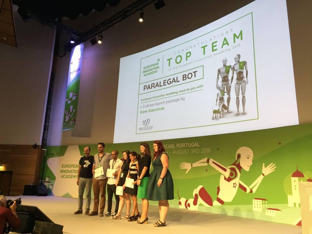 """Equipa do projeto """"Paralegal Bot"""", que inclui estudantes da NOVA"""