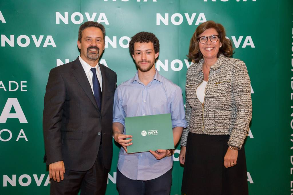 Rector of NOVA; José Costa (best student of Medicine) and Ana Isabel Moura Santos, representing NMS|FCM