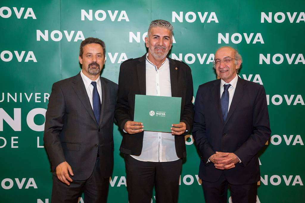 Rector of NOVA; Luís Garcia (representing Pedro Garcia, best student of Molecular and Celular Biology) and Dean of FCT NOVA