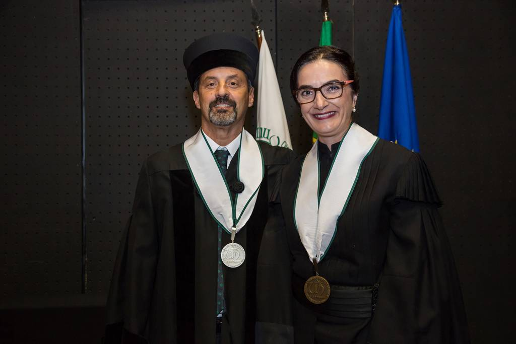 João Sàágua and Elvira Fortunato