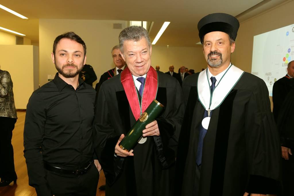 Cristian Ospina, Juan Manuel Santos e João Sàágua
