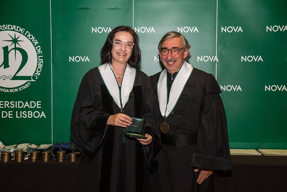 Prof.ª Elvira Fortunato e Prof. José Fragata