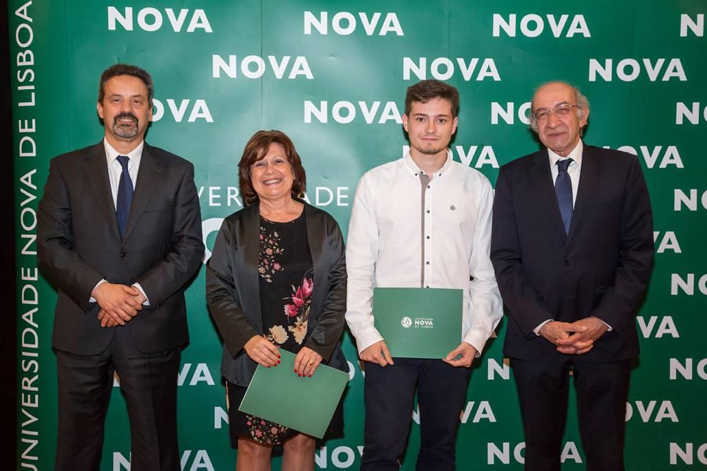 Rector of NOVA; Ana Paula Garganta (representing Escola Secundária de Miguel Torga); André Bernardo (best student of Biomedical Engineering) and Dean of FCT NOVA