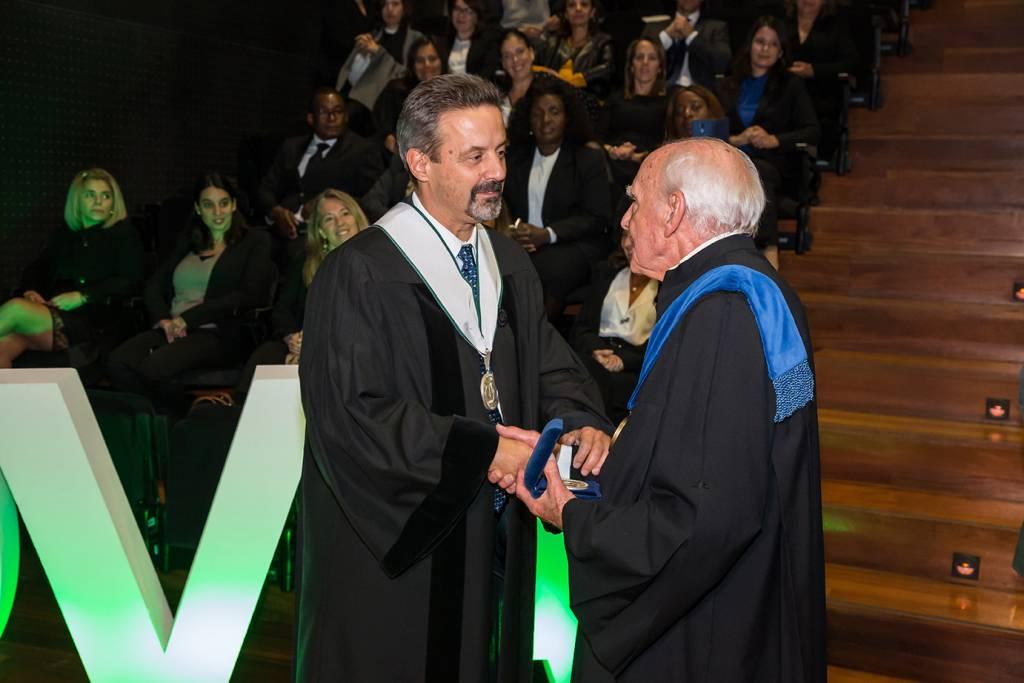 Entrega de Medalha de Mérito da Universidade ao Prof. Doutor José Caldeira da Silva