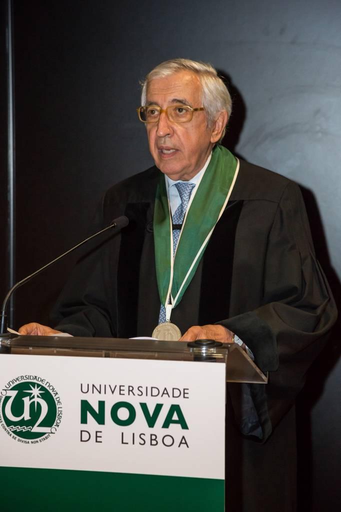 Artur Santos Silva discursando durante a cerimónia de atribuição do título de Doutor Honoris Causa pela Universidade NOVA de Lisboa