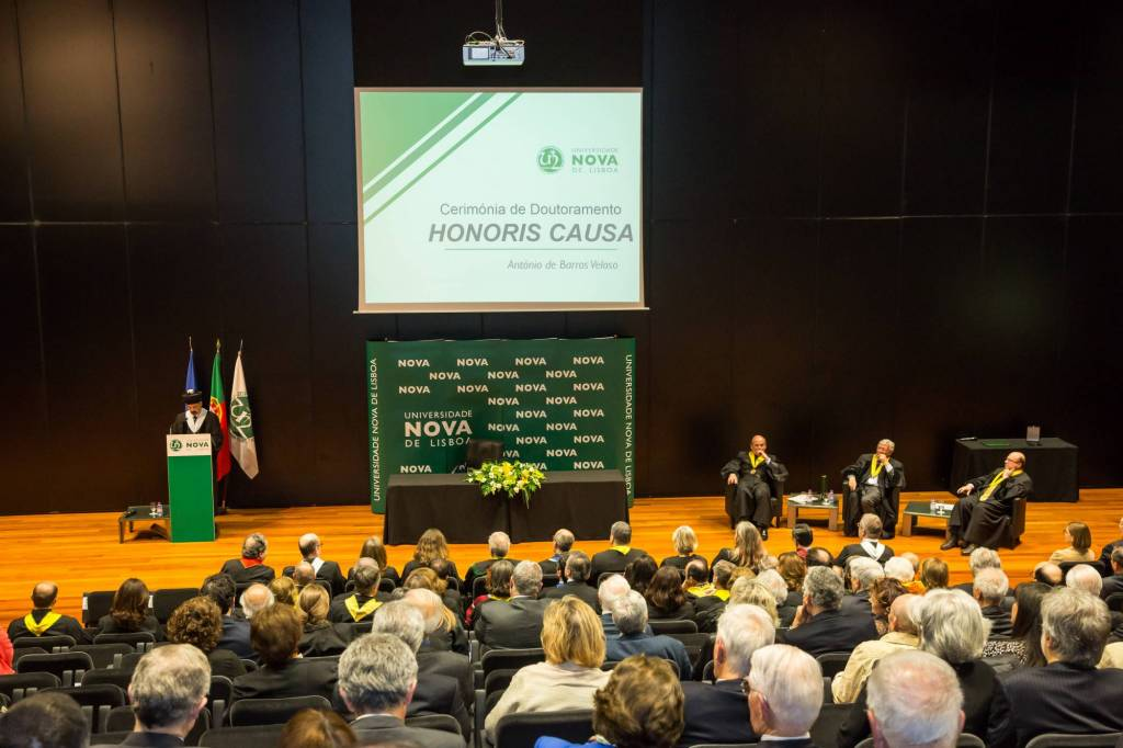 Ceremony of conferement of the title of Doctor Honoris Causa to António de Barros Veloso