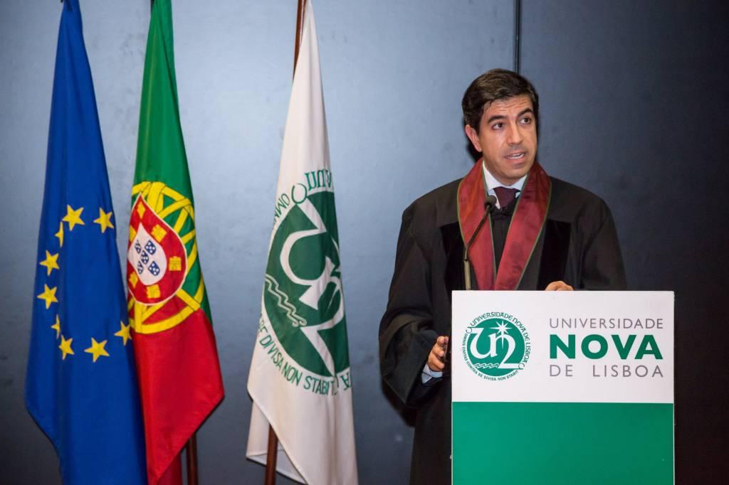 Elogio a João Salgueiro pelo Prof. Doutor João Amador