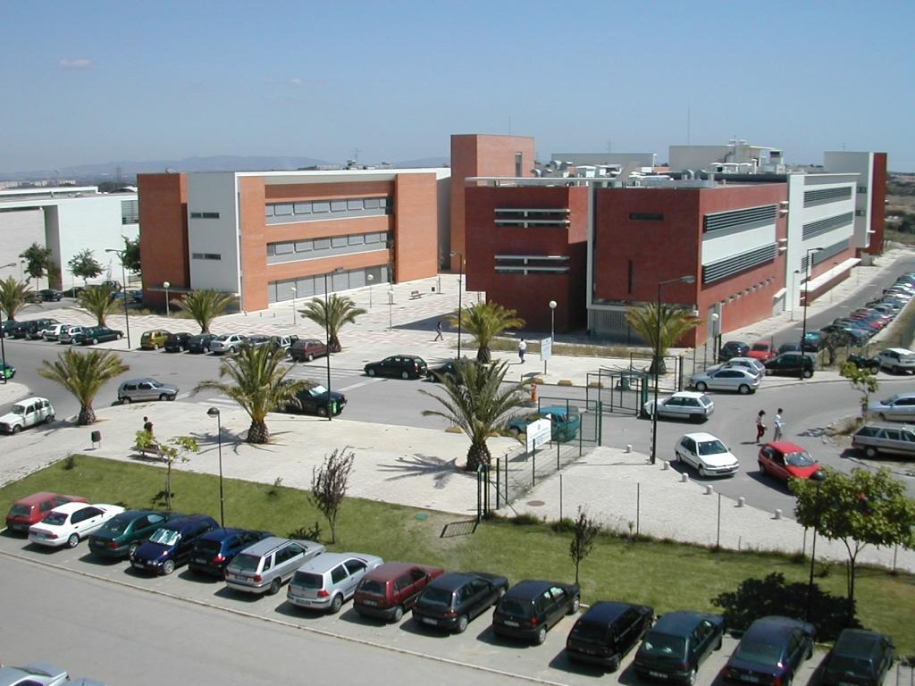 Faculdade de Ciências e Tecnologia