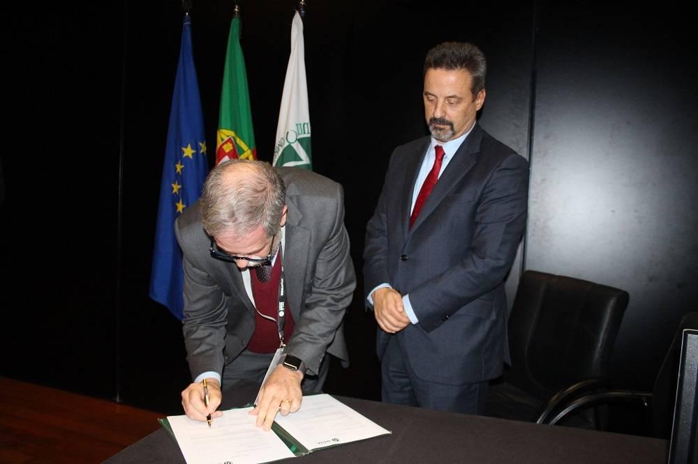 Prof. Diogo Pais e Prof. João Sàágua