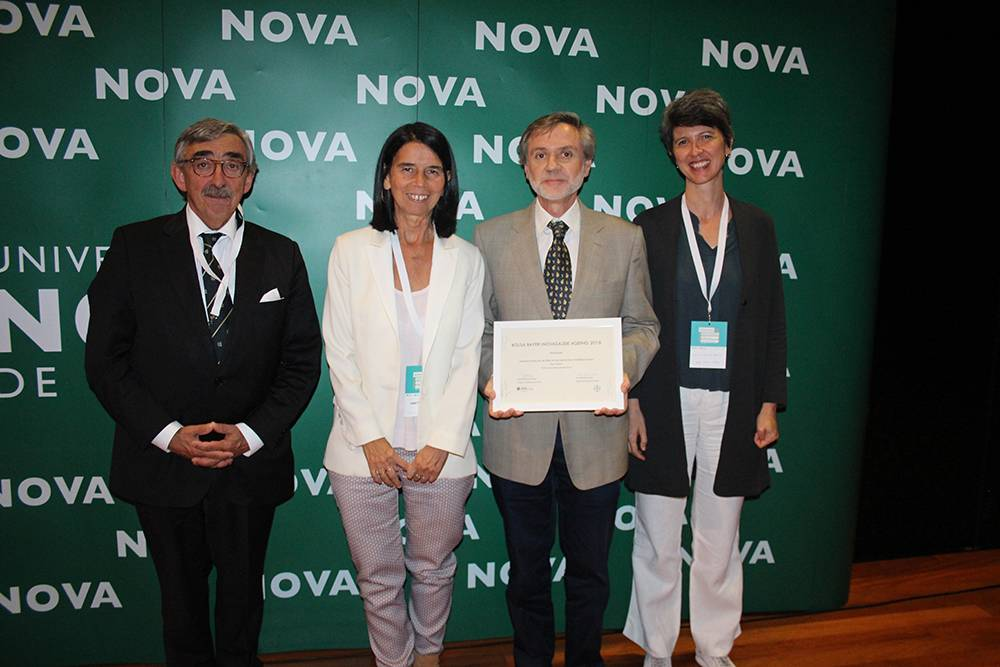 Professor José Fragata, Vice-Reitor da NOVA; Dr.ª Isabel Fonseca Santos, Bayer Medical Director; Professor Manuel Gonçalves Pereira e Dr.ª Conceição Balsinha, vencedores da Bolsa de Investigação Bayer|NOVAsaúde Ageing 2018