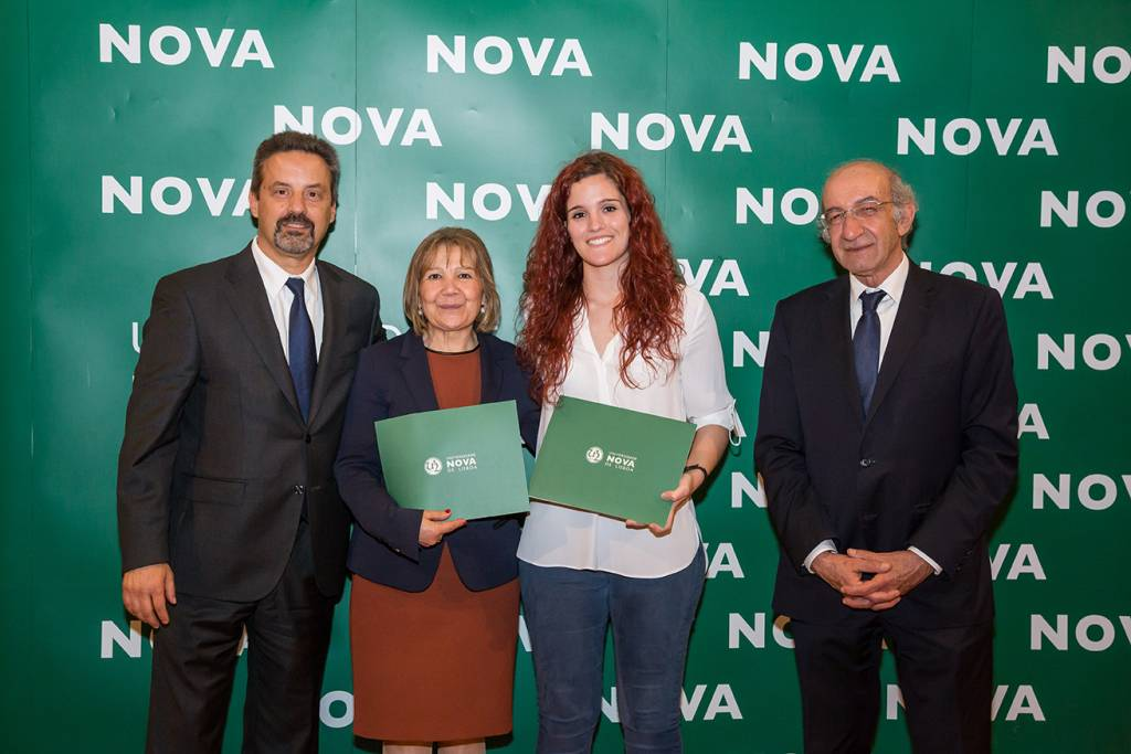 Rector of NOVA; Maria Filomena Pereira (Dean of Escola Secundária do Entroncamento); Joana Parreira (best student of Computer Engineering) and Dean of FCT NOVA