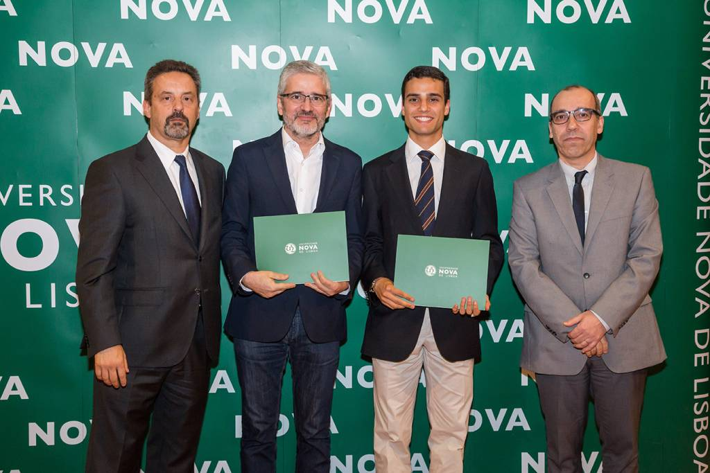 Rector of NOVA; Alcino Hermínio (Dean of Escola Básica e Secundária Dr. Manuel Fernandes); João Gaio e Silva (best student of Political Science and International Relations) and Dean of NOVA FCSH