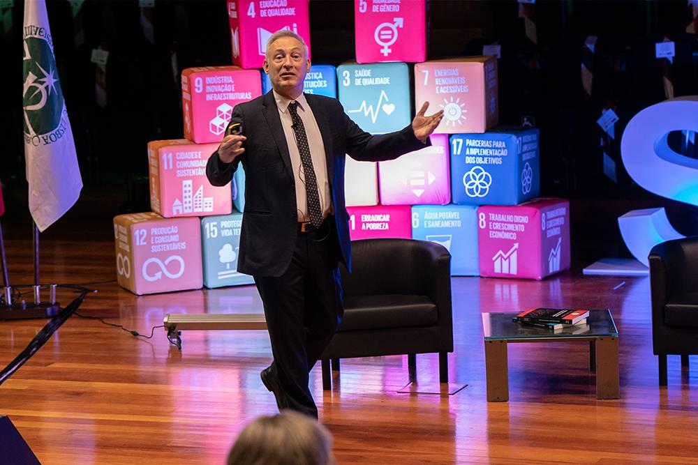 João Amaro de Matos - Vice-Reitor para o Desenvolvimento Internacional