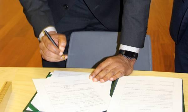 Assinatura na tomada de posse do Diretor