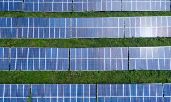 Estudo painéis solares FCT NOVA